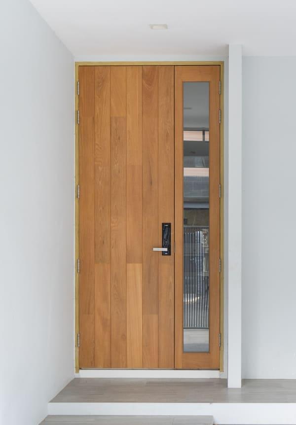 ประตูไม้ทรงโมเดิร์น1